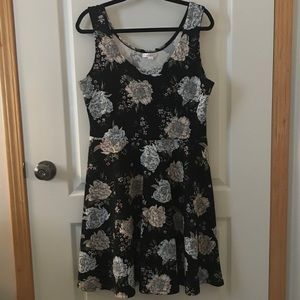 Cute spring/summer floral dress size large